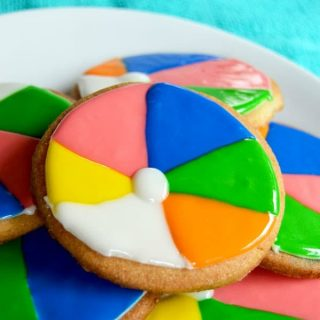 Beach Ball Cookies {with tutorial!}