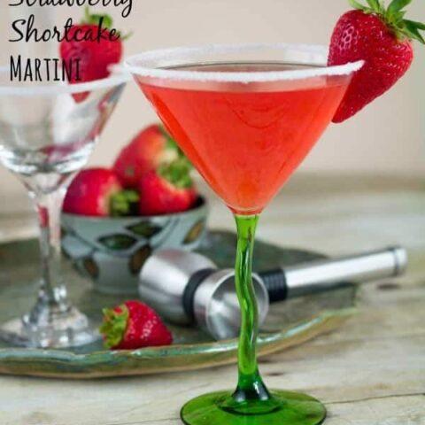 Strawberry Shortcake Martini {Guest Post}