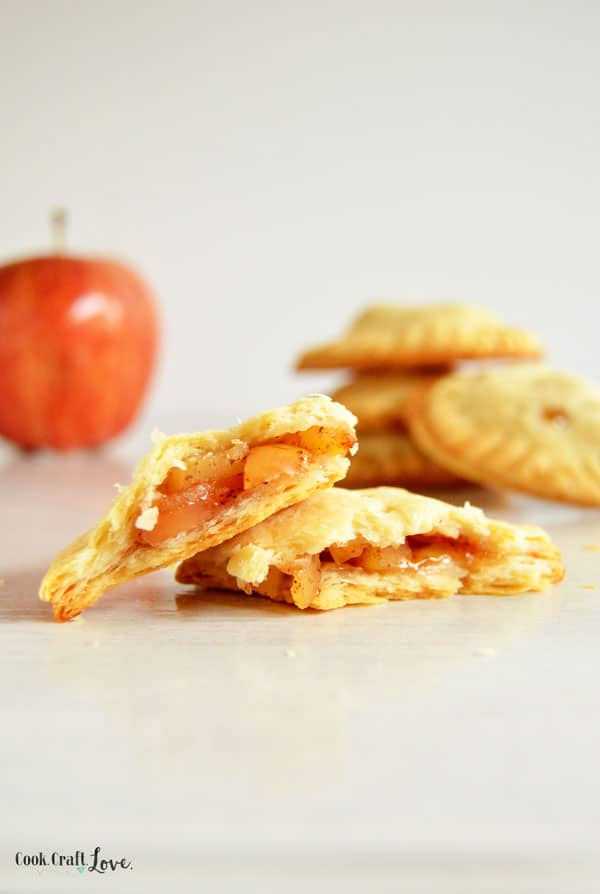 Apple pie is one of my favorite fall desserts so what did I go and do? Make apple pie bite sized! These easy apple pie bites are perfect for lunches, desserts, or even snacks!