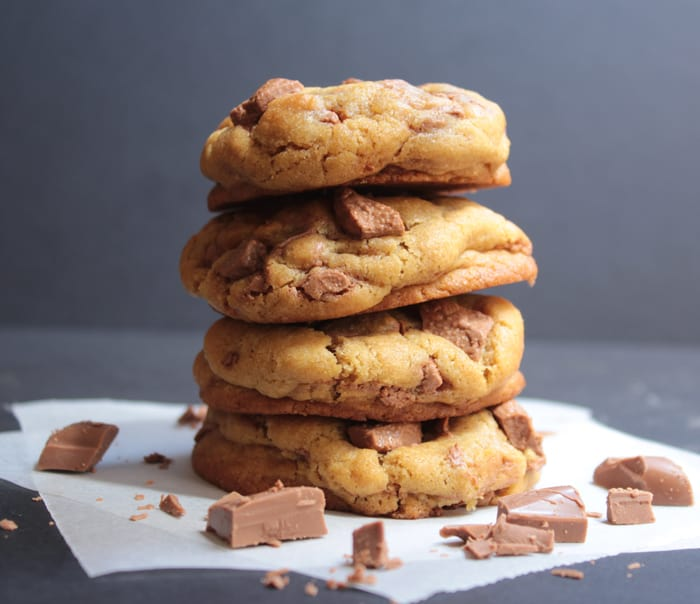The-Best-Soft-Chewy-Chocolate-Chunk-Cookies