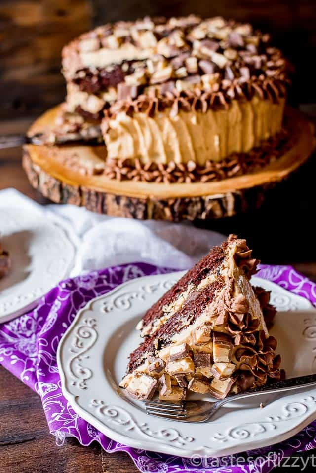 peanut-butter-snickers-cake-recipe-9