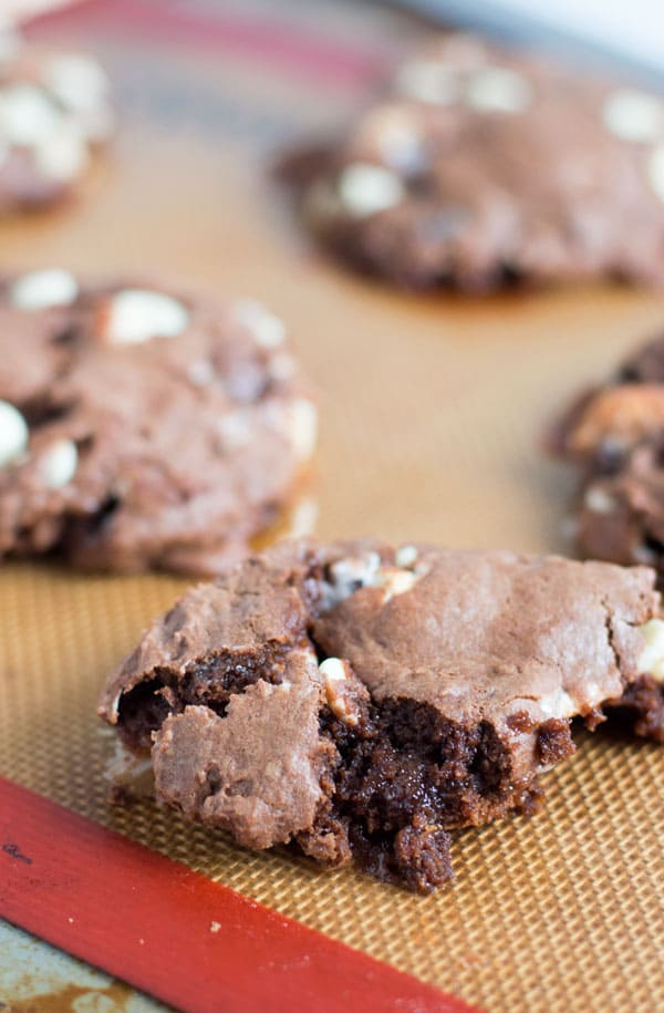 Show your child's teacher how much you appreciate them with these brownie cookies in a jar. A perfect teacher appreciation gift!