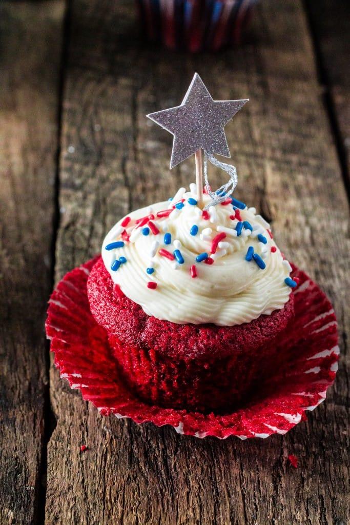 patriotic-red-velvet-cupcakes-6-683x1024