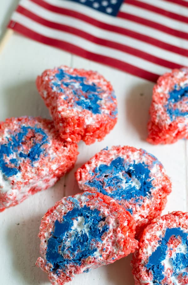 These patriotic rice krispie pinwheels are a simple and fun dessert perfect for your 4th of July bash!