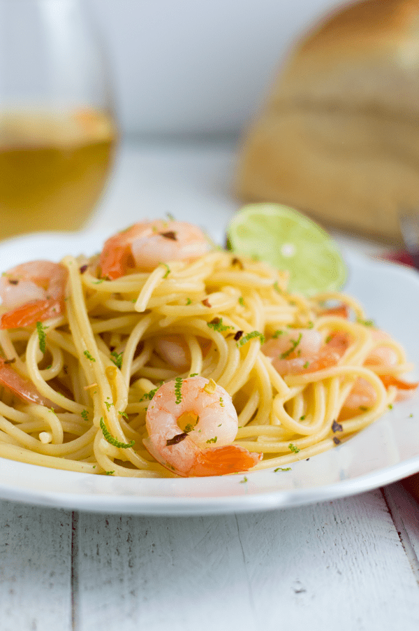 If you're rocking the single life on Valentine's Day then you definitely have to try this spicy honey lime shrimp pasta for one!