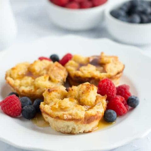 These french toast muffins will convert even the most stubborn french toast hater in your house! Perfect for a quick, mess free breakfast or brunch baked up in the oven!